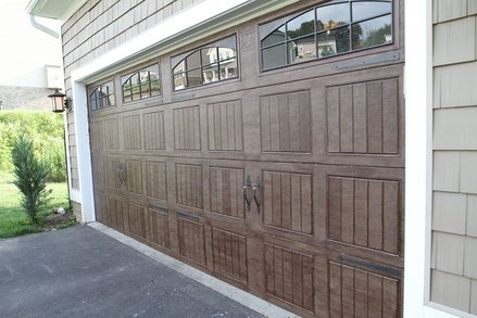 Cedar Rapids Custom Garage Door Installation